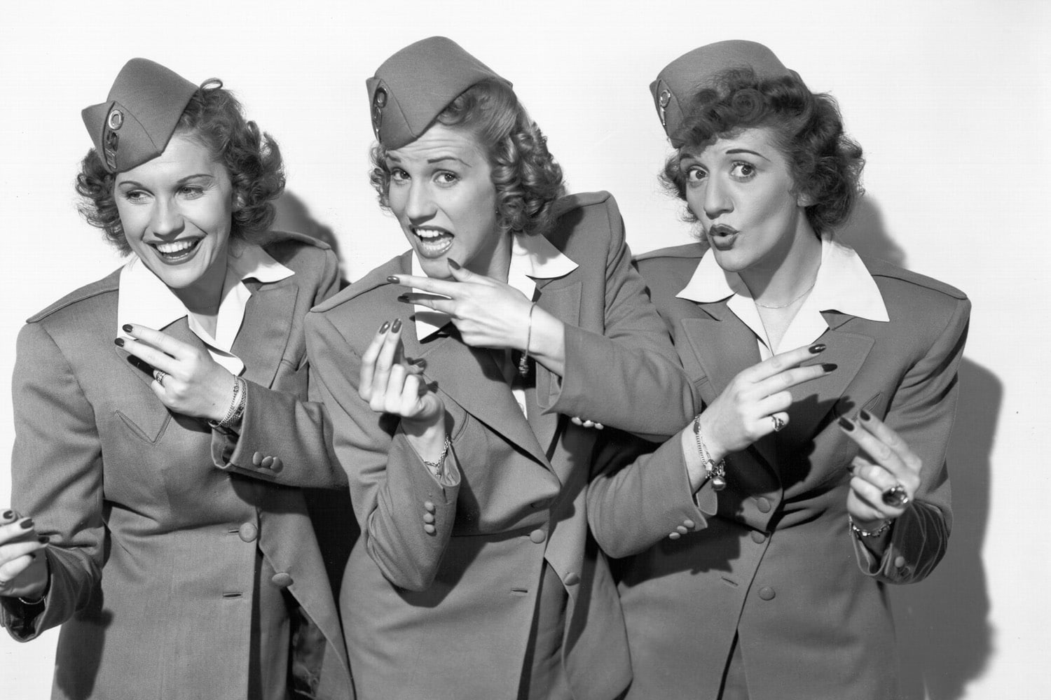 The Andrews Sisters Cheery Swinging Harmony Girls For