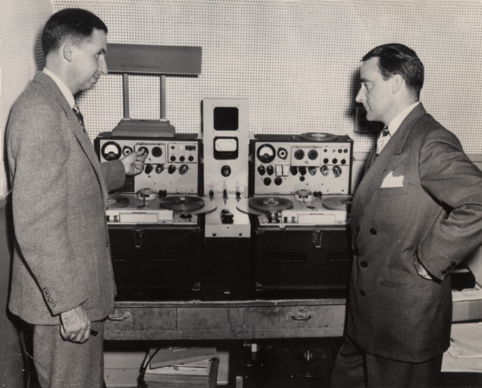 Mullin and MacKenzie in front of the two Magnetphons used to record the Crosby show. It may have been taken in summer of 1947 when MacKenzie met Jack for the first demo. (Mullin)