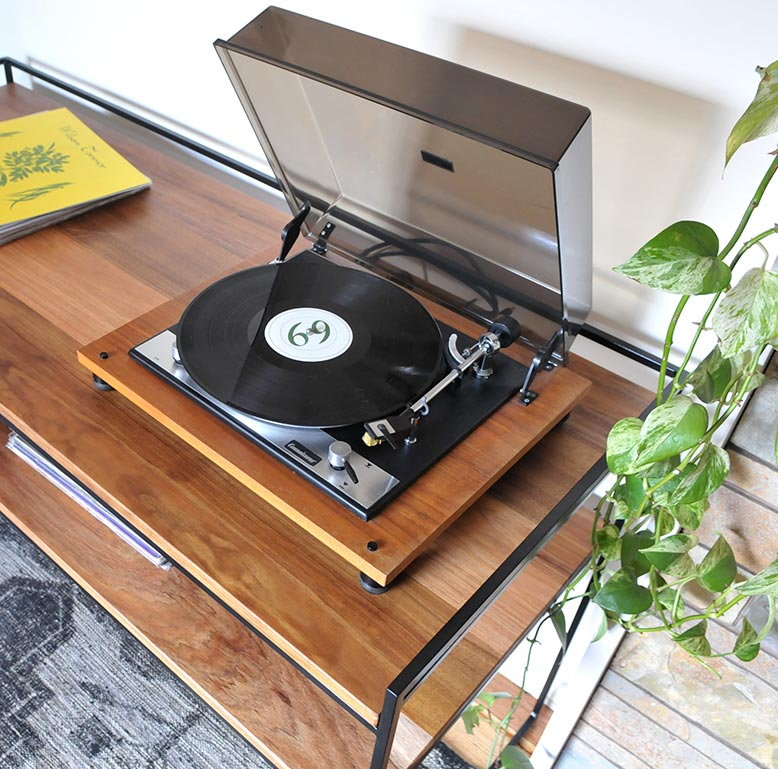 custom-hifi-shelf-2