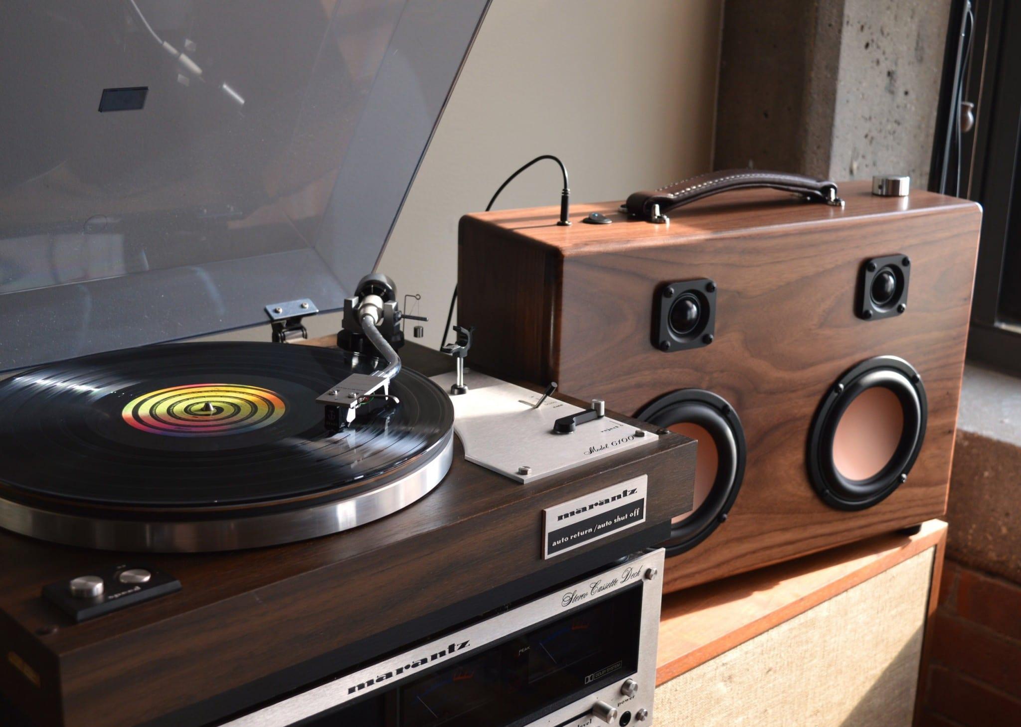 modern-boombox-hificase3