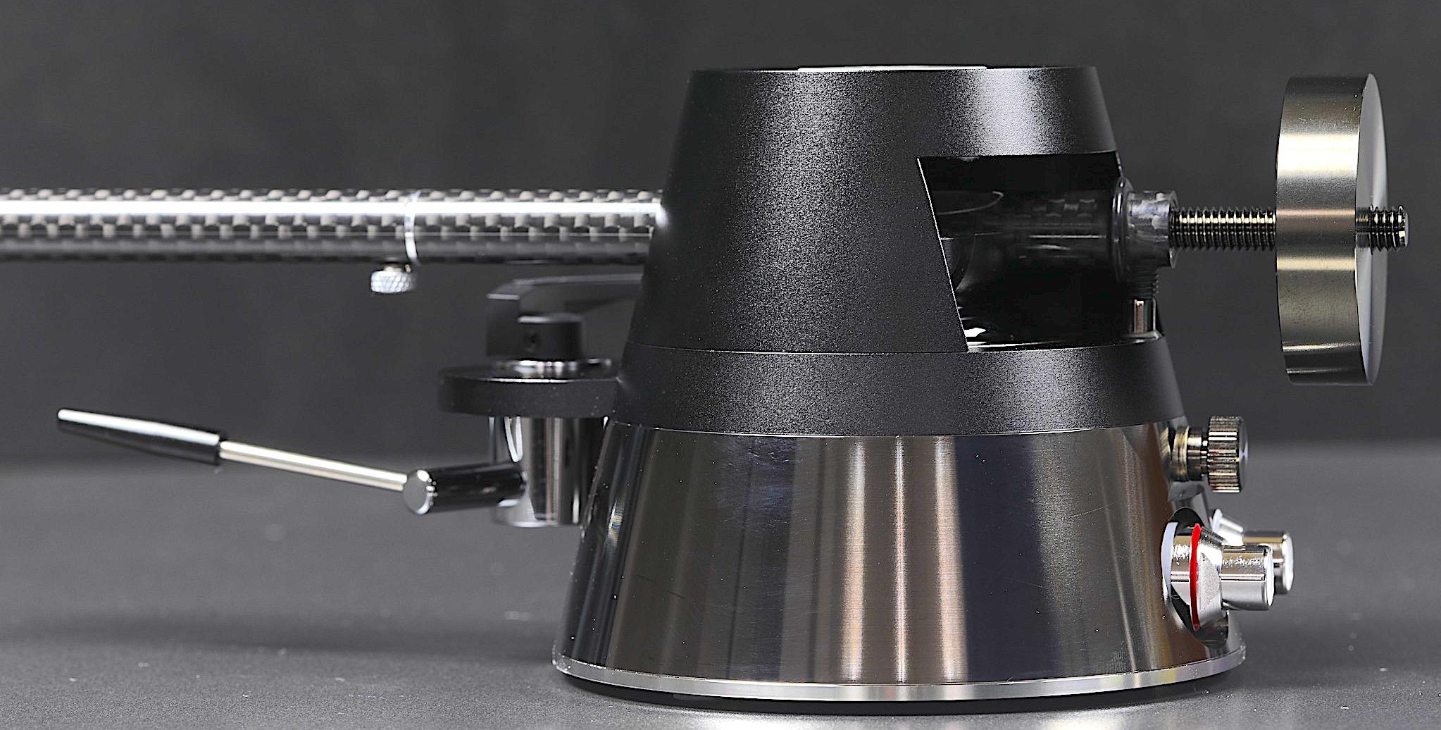 Rigid Float tonearm From Viv Labs