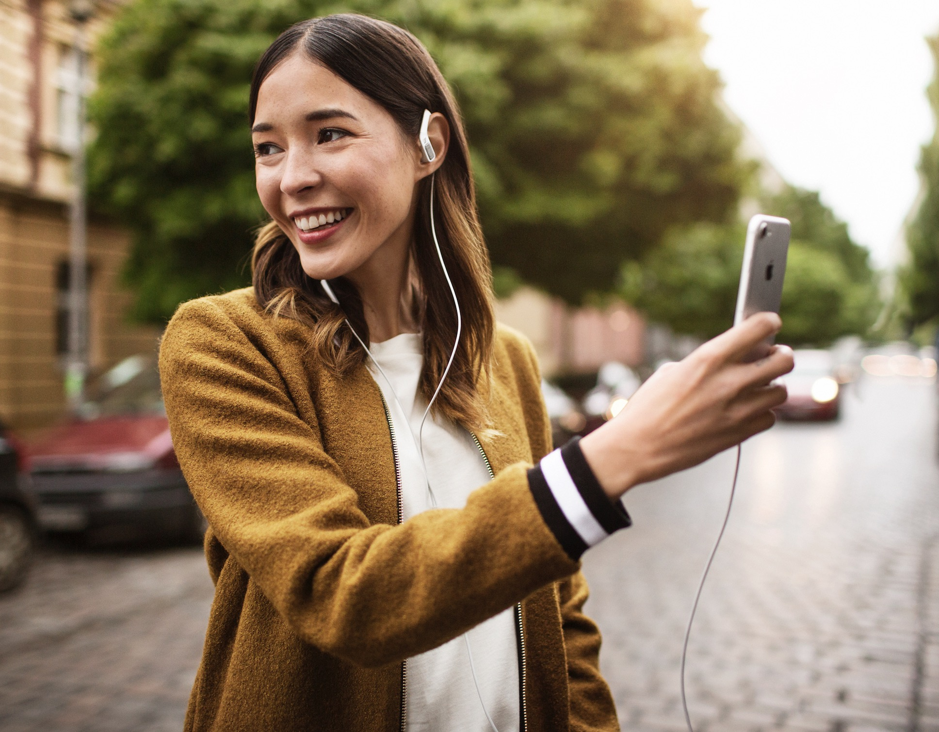 Ambeo Smart Headset Now Available In Black