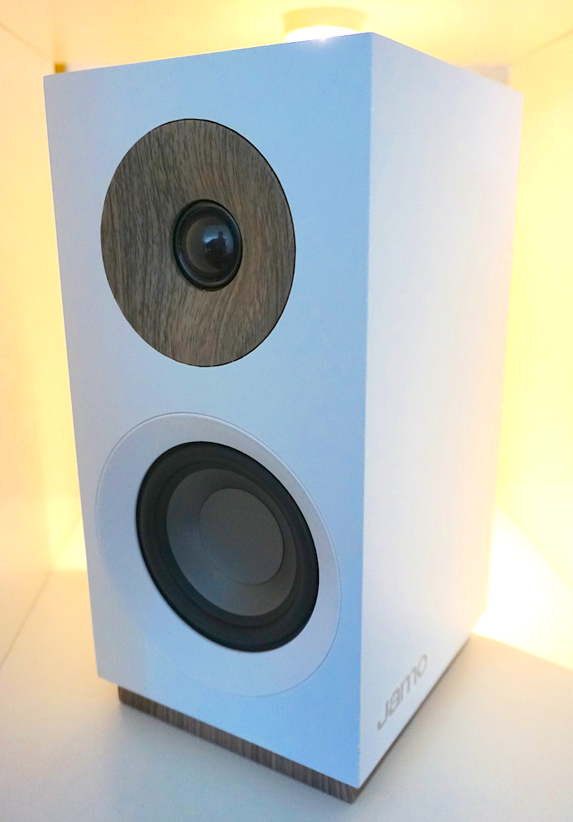 SOUND & VISION 2018: JAMO SPEAKERS