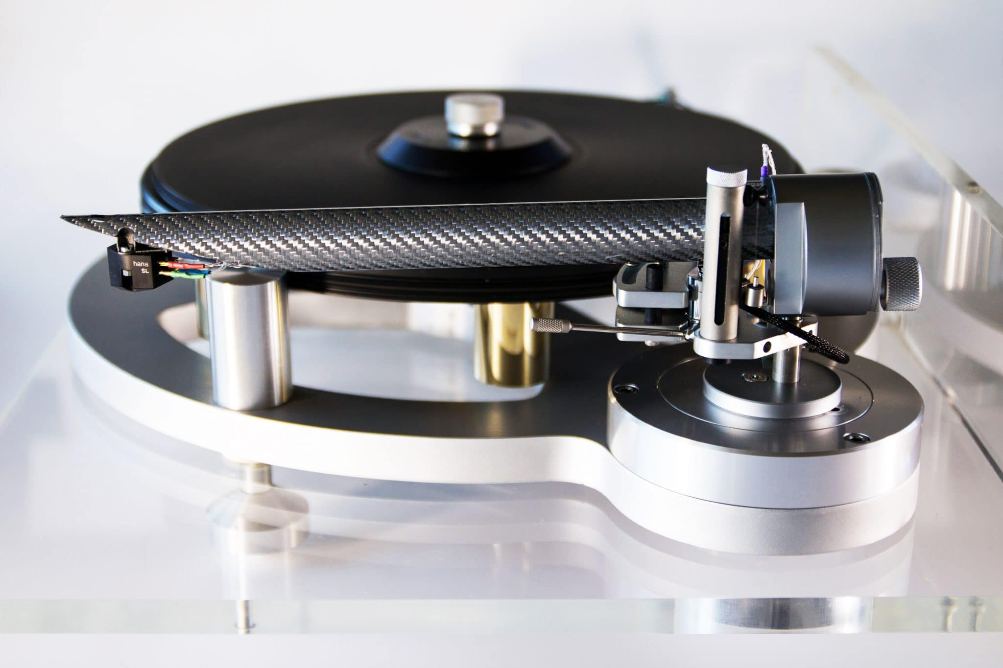 The Wand tonearm by DBL in the UK